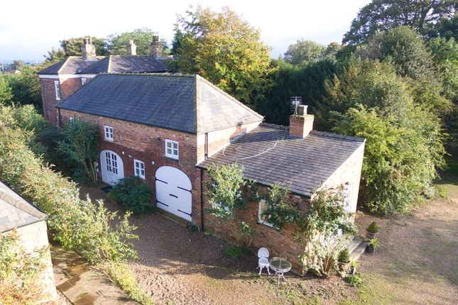 Thumbnail Barn conversion for sale in Castlethorpe, Brigg