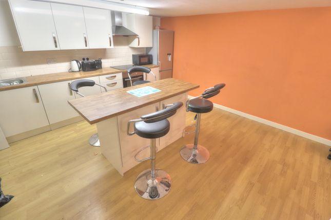 Kitchen 4 of Sunbridge Road, Bradford BD1
