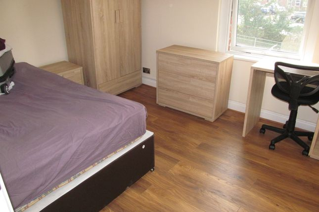Thumbnail Flat to rent in Wokingham Road, Reading