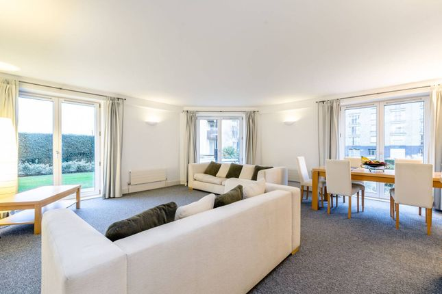 Thumbnail Flat to rent in Pierpoint Building, Canary Wharf