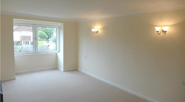 Thumbnail Flat to rent in Homepier House, Heene Road, Worthing, West Sussex