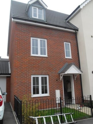 Thumbnail Town house to rent in Wagtail Drive, Stowmarket