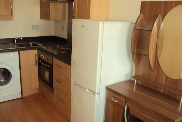 Thumbnail Flat to rent in Manor Road, Luton