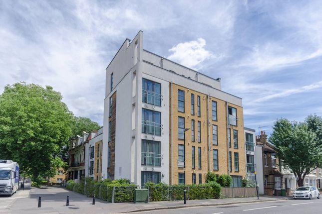 Thumbnail Flat to rent in Romford Road, Stratford