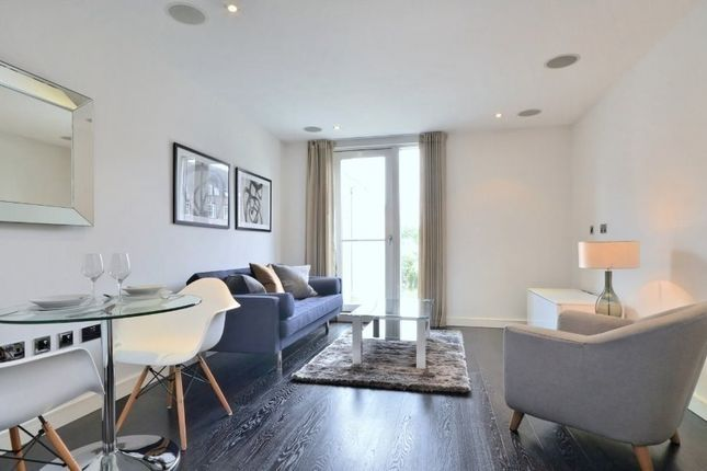 1 bed flat to rent in Moore House, Gatliff Road, Chelsea