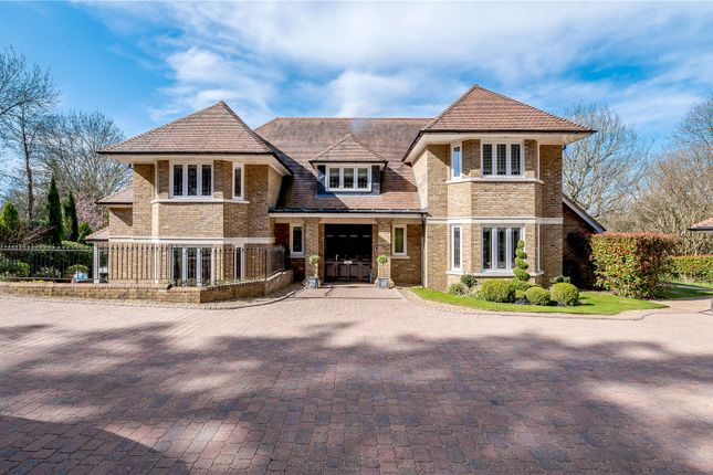 5 bed detached house for sale in Trout Rise, Loudwater, Rickmansworth, Hertfordshire WD3
