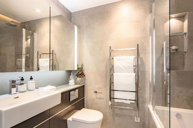 Thumbnail Flat to rent in The Residence, London