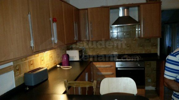 Thumbnail Shared accommodation to rent in King Edward Road, Swansea, Brynmill