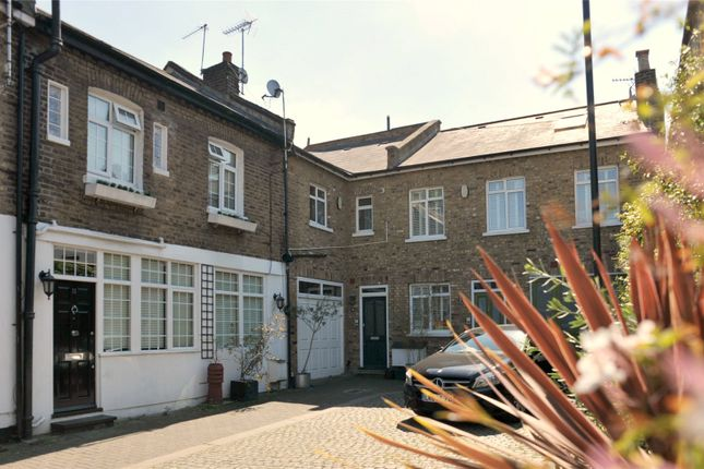 Thumbnail Property for sale in Victoria Mews, London