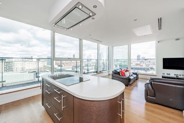 Thumbnail Flat to rent in Brewhouse Yard, London