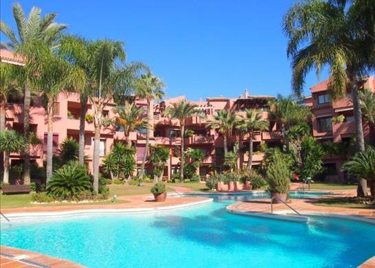 Apartment for sale in Playa Del Alicate, Spain