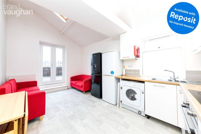 Thumbnail Maisonette to rent in Boundary Road, Hove
