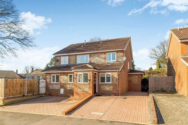 Thumbnail Detached house to rent in Newland Close, St Albans, Hertfordshire