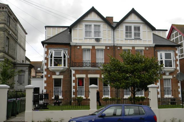 Thumbnail Flat to rent in Connaught Road, Folkestone