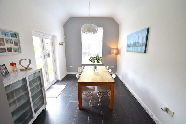 Family Room of Mountbatten Way, Chilwell, Beeston, Nottingham NG9