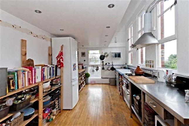 Kitchen of Commonside, Sheffield S10