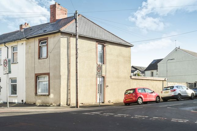 3 bed end terrace house for sale in Harriet Street, Penarth