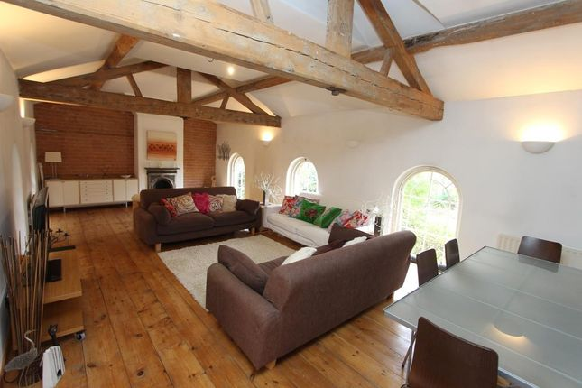 Thumbnail Property for sale in Daventry Road, Dunchurch, Rugby