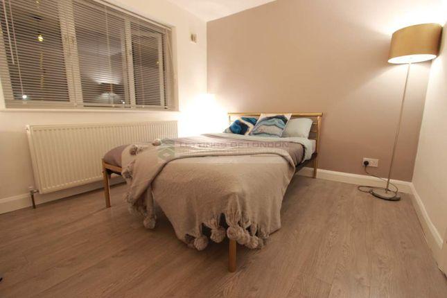 Studio to rent in Goldings Crescent, Hatfield AL10