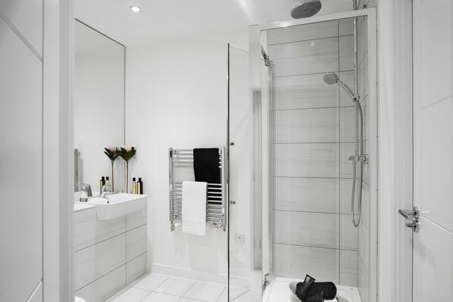 2 bedroom flat for sale in Uxbridge Road, London