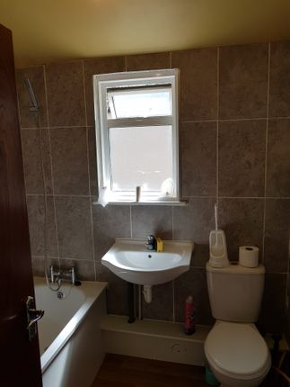 Thumbnail Flat to rent in Regina Road, Southall