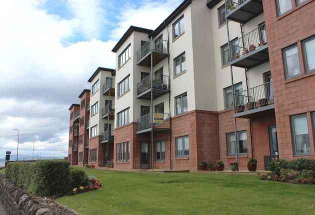 Thumbnail Flat for sale in The Shores, Skelmorlie, North Ayrshire, Scotland