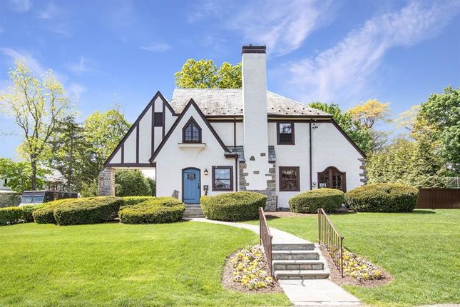 Thumbnail Property for sale in 20 Tunstall Road Scarsdale, Scarsdale, New York, 10583, United States Of America