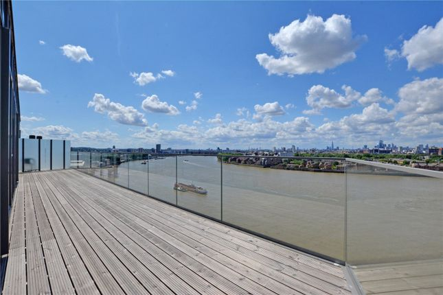 Picture No. 18 of Wyndham Apartments, 60 River Gardens Walk, Greenwich, London SE10