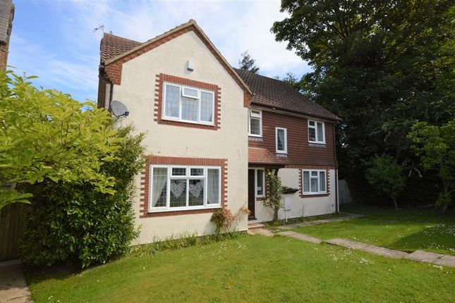 Thumbnail 5 bed detached house to rent in Moat Farm, Tunbridge Wells