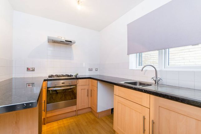Thumbnail Flat to rent in Ludford Close, Croydon
