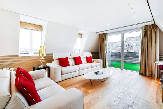 Thumbnail Flat to rent in Great Peter Street, London