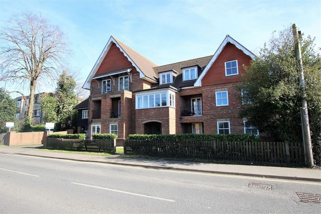 Thumbnail Flat for sale in 31 Moat Road, East Grinstead, West Sussex