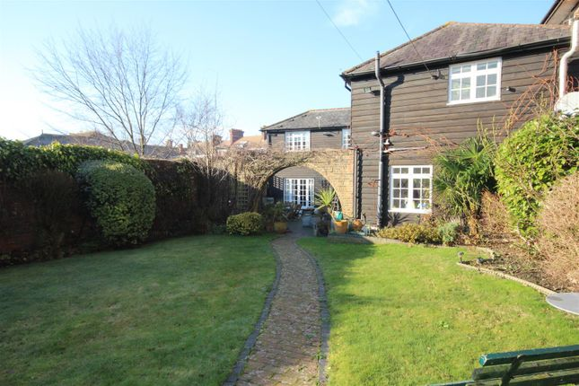 Thumbnail Detached house for sale in Hempstead Rise, Uckfield