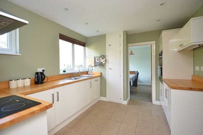 Kitchen of Captains Walk, Falmouth TR11