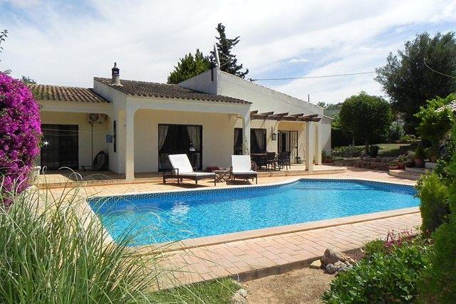 3 bed villa for sale in Portugal, Algarve, Almancil