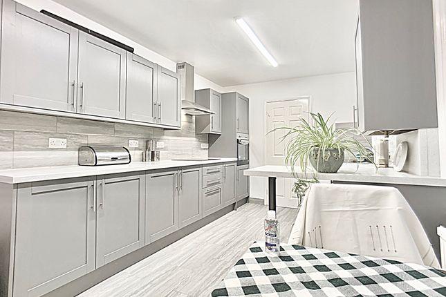 Semi-detached house to rent in Salisbury Street, Bedford
