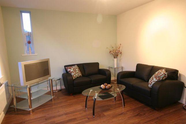 Thumbnail Flat to rent in Ring Road, Moortown, Leeds
