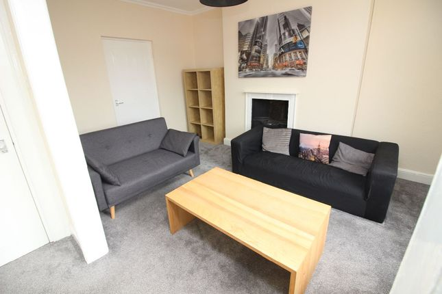 Thumbnail Flat to rent in Bluecoat Square, Upper Northgate Street, Chester