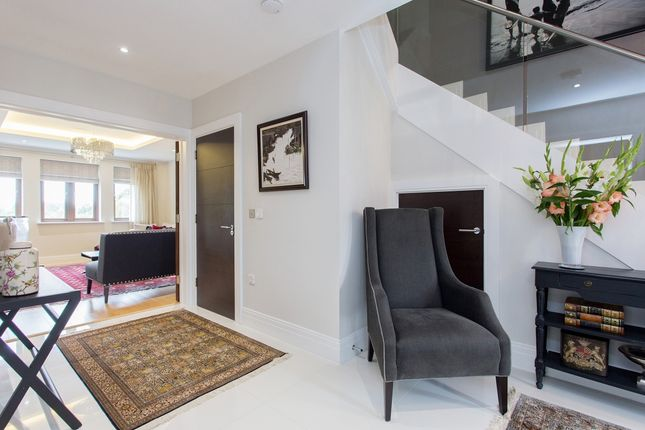 Thumbnail Town house to rent in Soane Square, Stanmore