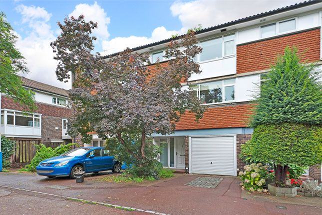 Thumbnail Town house for sale in Rosendale Road, Dulwich, London
