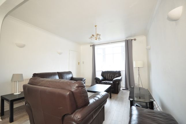 Thumbnail Semi-detached house to rent in Sanyhils Avenue, Brighton