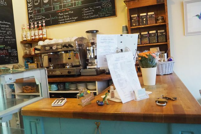 Thumbnail Restaurant/cafe for sale in Cafe & Sandwich Bars HX7, West Yorkshire