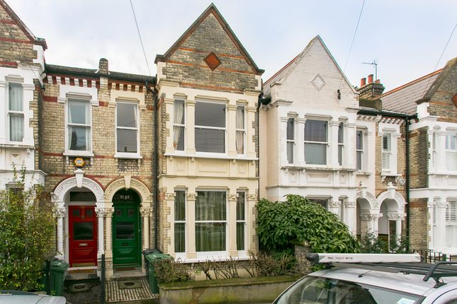 Thumbnail Property to rent in Kingscourt Road, London
