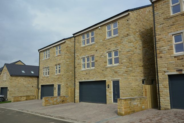 Thumbnail Detached house for sale in Laund Croft, Salendine Nook, Huddersfield