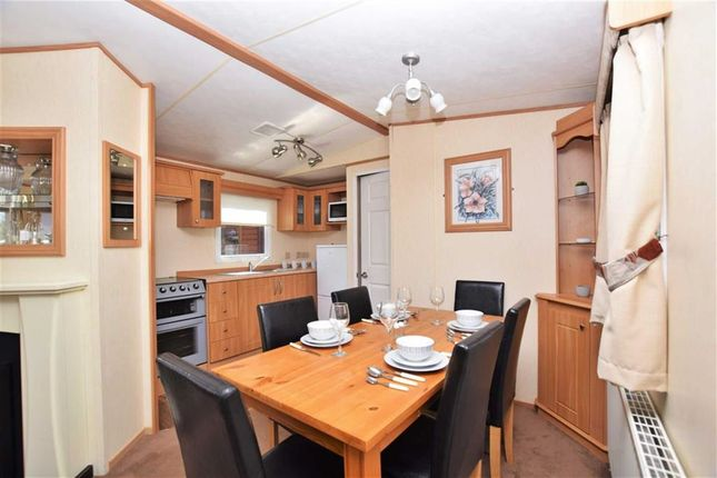 Kitchen Diner of Sunnydale Holiday Park, Saltfleet, Lincolnshire LN11