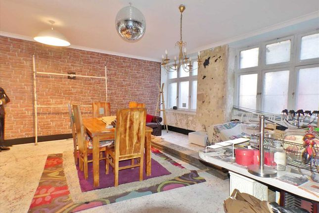 Studio Apartment (1)