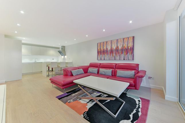 Thumbnail Flat to rent in Berglen Court, Limehouse, London
