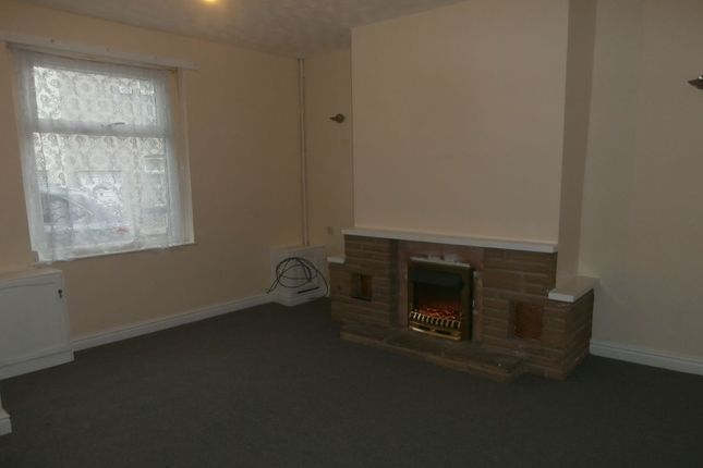 Thumbnail Terraced house to rent in Fountain Street, Hyde