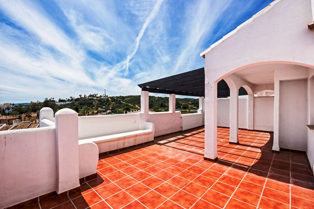 2 bed apartment for sale in Costa Del Sol, Estepona, Málaga, Andalusia, Spain