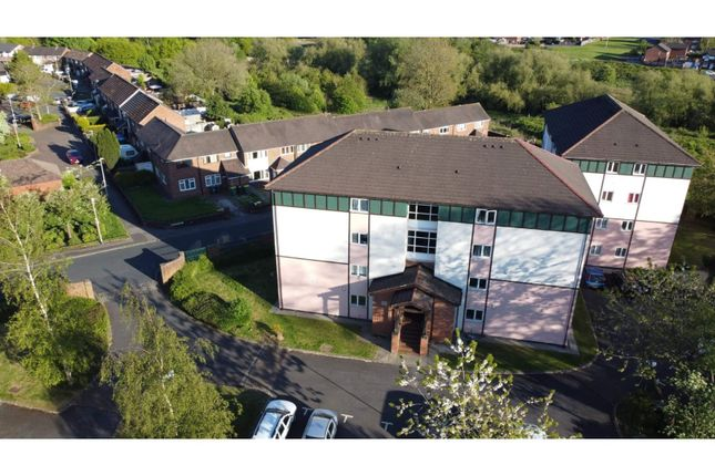 Thumbnail Flat for sale in Fir Trees Place, Preston
